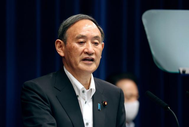 緊急事態宣言の延長などについて記者会見する菅義偉首相=2021年5月7日午後7時5分、首相官邸、上田幸一撮影
