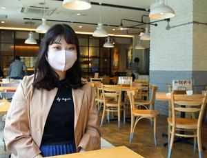 オンライン署名を呼びかける前田かや子さん。「自分のような思いを誰にもしてほしくない」と話す=2021年5月11日午後1時4分、愛知県内、佐藤瑞季撮影