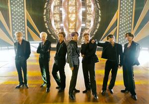 2021年5月23日に開催された米ビルボード・ミュージック・アワードでパフォーマンスを披露したBTS。NBC提供=AP
