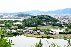 高松市の仏生山町周辺。地下に高松クレーターが広がる=2021年6月7日午後2時23分、木下広大撮影