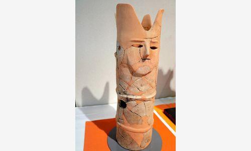塩顔埴輪。物憂げな表情が人の心をくすぐるのだろうか=玉村町福島の町歴史資料館