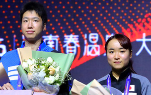 東京五輪の新種目となる卓球混合ダブルスには水谷隼(左)と伊藤美誠が出場。3位決定戦と決勝はフジテレビ系で7月26日午後8時から放送予定=フジテレビ提供 (C)アフロスポーツ