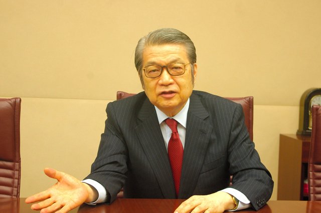 日本コーポレート・ガバナンス・ネットワーク理事長の牛島信弁護士=東京都千代田区