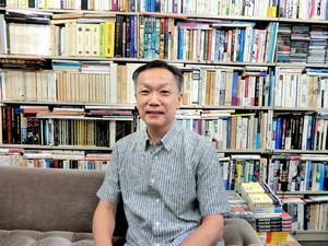 学習院大学教授の中条省平さん