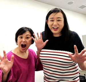 変ホ長調の彼方さとみさん(左)と小田ひとみさん=2021年9月5日、本人提供