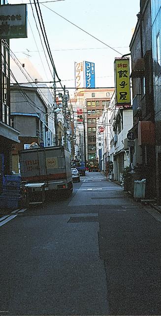 かつて通った神保町を写す=片岡さんの写真集『東京を撮る』(2000年)から