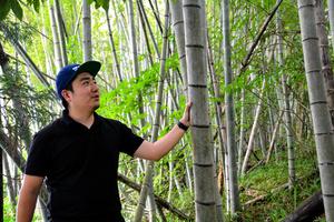 竹林問題解消のため、延岡メンマの開発に取り組んだ江原太郎さん=2021年6月、宮崎県延岡市