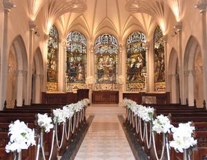 結婚式場「セントグレース大聖堂」のチャペル=2021年10月13日、東京都港区、小林直子撮影