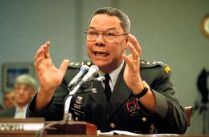 ワシントンの下院で1991年9月、証言するパウエル米統合参謀本部議長(当時)=AP