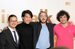 ショパン国際ピアノコンクールの上位入賞者。2位の反田恭平さん(左)、1位のブルース・リウさん(カナダ、左から2人目)、2位のアレクサンダー・ガジェブさん(イタリア・スロベニア、右から2人目)、3位のマルティン・ガルシア・ガルシアさん(スペイン)=2021年10月21日午前2時32分、ワルシャワ、野島淳撮影