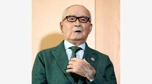 文化勲章の受賞が決まり、インタビューに答える長嶋茂雄氏=加藤諒撮影