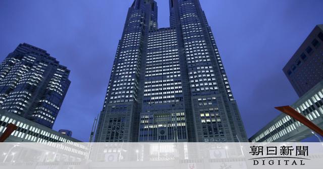 東京都、コロナ警戒レベル引き下げへ 感染者が減少傾向