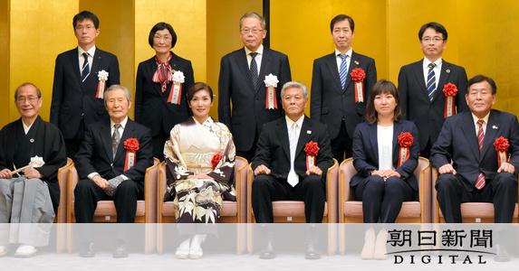 元シンクロの武田氏と立花氏、「京都スポーツの殿堂」に