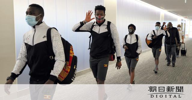 ウガンダ選手団、PC…