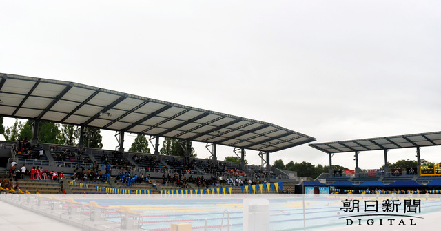 奈良の水泳競技の聖地 こけら落としに千葉すずさん