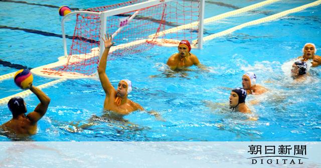 五輪さながら 水球代表チームの練習試合を公開