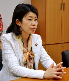 女性議員の資産、男性の37%「政治参加を阻む一因に」:朝日新聞デジタル