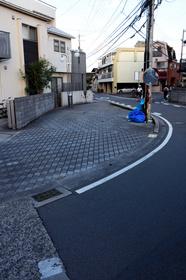 1周30秒、歩道だけの無人の「町」 近隣住民も知らず:朝日新聞デジタル
