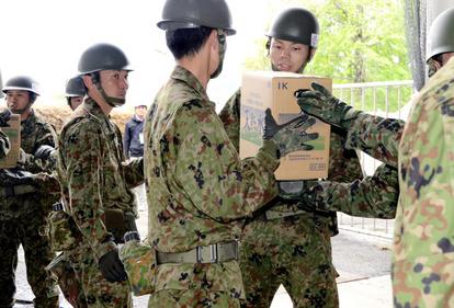 即応予備自衛官、減少の一途 有事・災害時に活動参加:朝日新聞デジタル