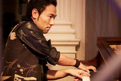 ピアニスト 指 7 本 の