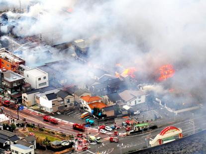 風強く、どんどん飛び火して…」 糸魚川の大規模火災:朝日新聞デジタル
