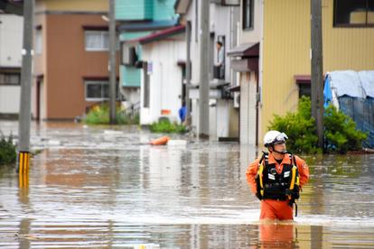 山形で記録的大雨、土砂崩れや浸水被害 ボートで救出も:朝日新聞デジタル