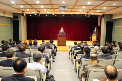 元徴用工問題、日本大使館が企業に説明会 会場で混乱も:朝日新聞デジタル
