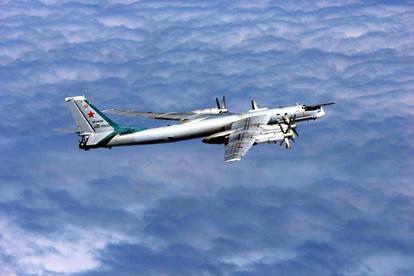 ロシア爆撃機が領空侵犯 自衛隊機、緊急発進で退去警告:朝日新聞デジタル