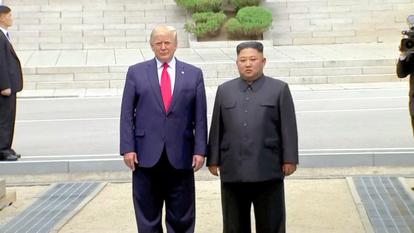 訪れ は た 大統領 の 現職 初めて として