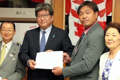 30人学級、10年かけて移行すれば対応可能? 文科省:朝日新聞デジタル