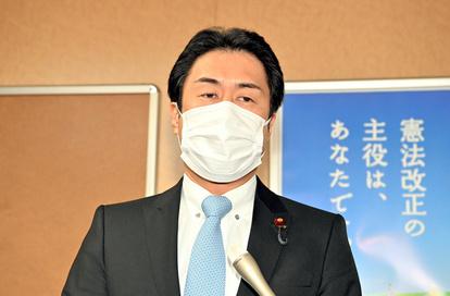 須賀 ラウンジ 白