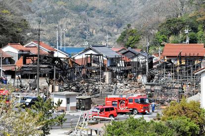 松江市の火災 30棟焼損 県が災害救助法適用決める:朝日新聞デジタル