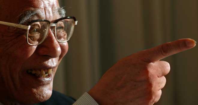 木田元さん、2004年10月10日、金井三喜雄撮影