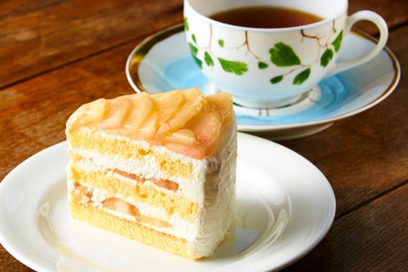 29年間家族の幸せのそばに リリエンベルグのももケーキ