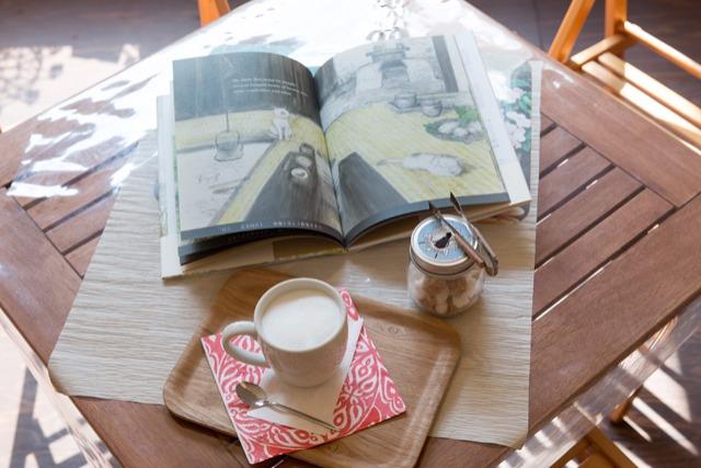 子どもと行きたい! 絵本4000冊が並ぶブックカフェ