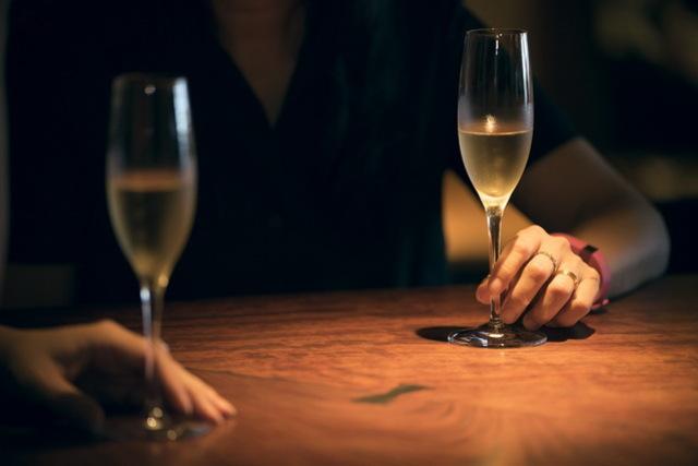 角田光代×杉山明日香のワイン対談