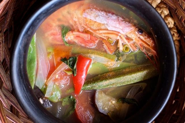 味の決め手は酸味と笑顔~アテ(フィリピン料理)
