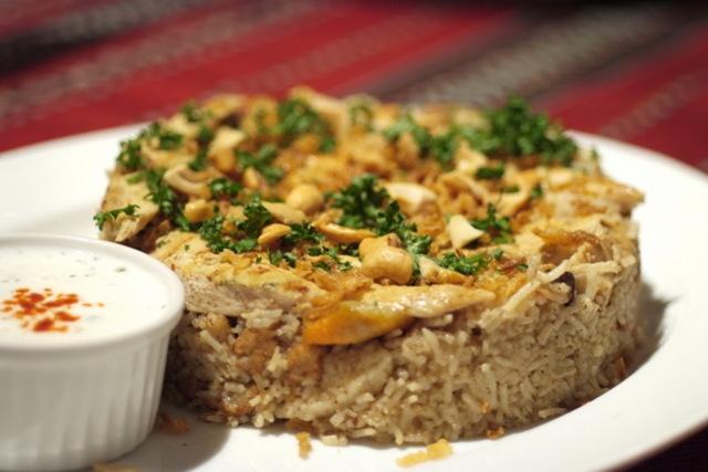 ひっくり返して食べるの? パレスチナの伝統料理