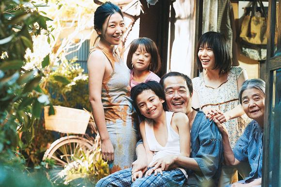 映画『万引き家族』試写会に30組60人をご招待