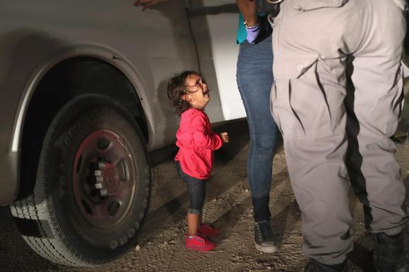 1位は米国境で泣く女児 ゲッティが選ぶ今年の報道写真