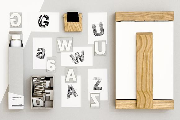 紙の活字で活版印刷!? 「発明」と呼びたい印刷キット