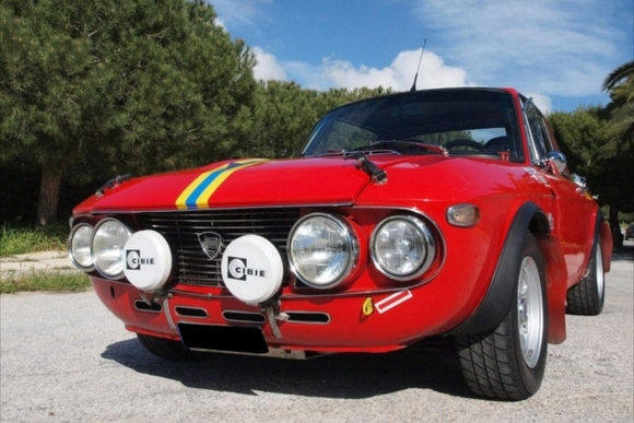 かわいさと速さが魅力の名車 ランチア・フルビアクーペ