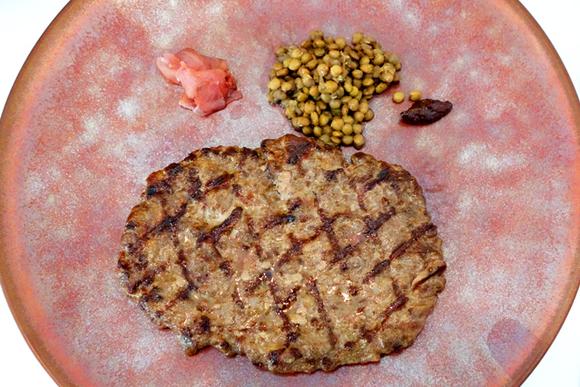 肉にこだわった絶品ハンバーグ 赤坂・ヴァッカロッサでランチ