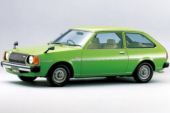 国産初の4ドアハッチバック 家族の車「ファミリアAP」