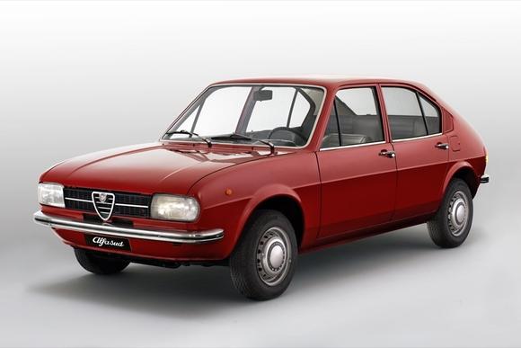 アルファロメオの革命的な小型大衆車「アルファスッド」