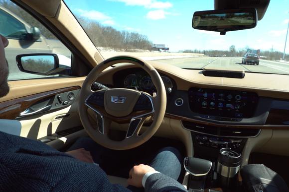 キャデラックの自動運転技術「スーパークルーズ」を体験