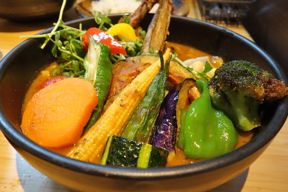 野菜1日分を1食で とろみがある濃厚スープカレー