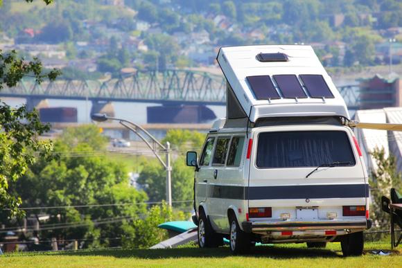 災害時にも役に立つ装備 シェルターになるキャンプ車