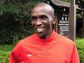"""""""世界最速の長距離ランナー""""キプチョゲ選手の練習方法が非常に参考になる!"""