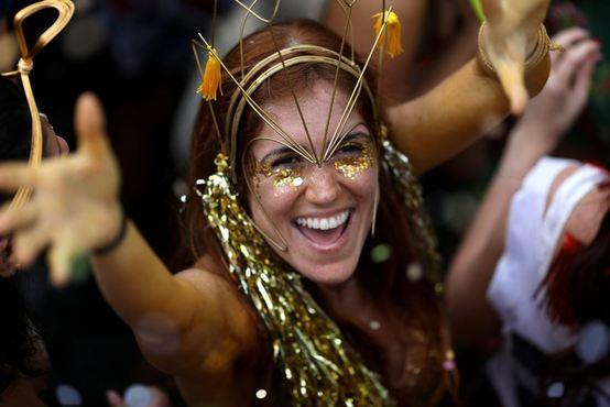 踊る、歌う、魅了する!あなたの知らないカーニバルがここに…